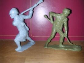 Vintage Louis Marx military action figures