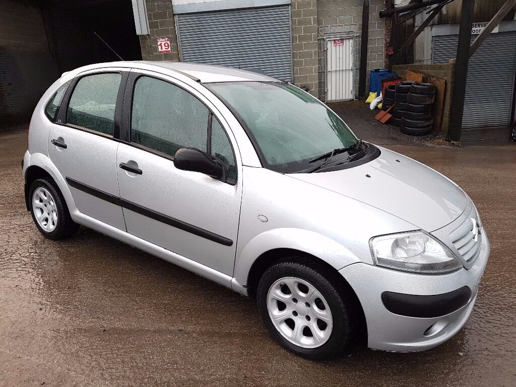 2003 citroen c3 1 4 desire hdi 5 door hatch back silver 12 months m o t in denholme west. Black Bedroom Furniture Sets. Home Design Ideas