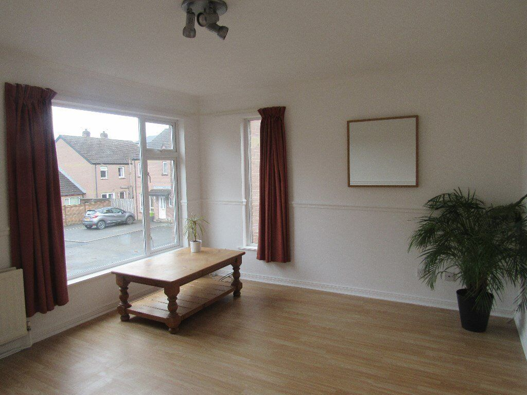 EXCELLENT 2 BED FURNISHED APARTMENT HOLYWOOD RD /NOT HOUSE
