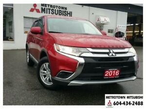 2016 Mitsubishi Outlander ES 4WD; Local & No accidents! LOW KMS!