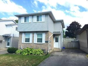3 BDRMS + 2 BATHS Single Detached Home in Westvale!