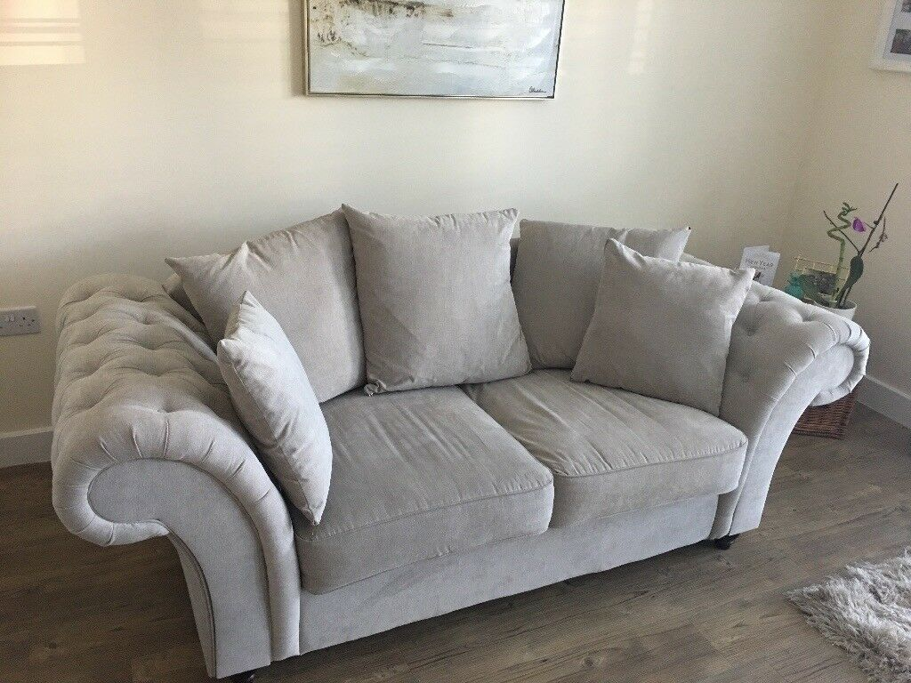 Light Grey Sofa Chesterfield Style
