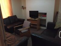 Good size room to rent