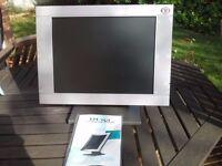 Flat screen computer monitor
