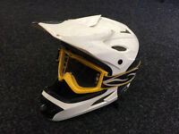 Full face 661 comp mountain bike helmet with Scott goggles