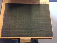 2700 x Restaurant Quality Table mats Job Lot