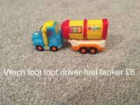 Toot toot driver cars/vehicles