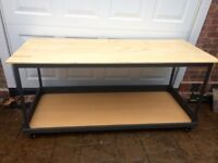 WORK BENCH ON WHEELS - VERY ROBUST AND GOOD QUALITY