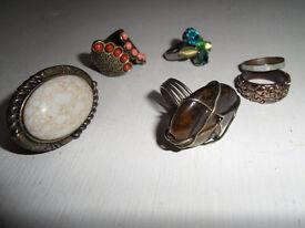 Costume jewellery (12 pieces)