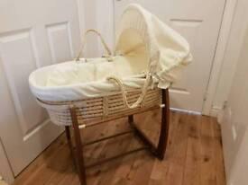 Mama's & Papa's moses basket