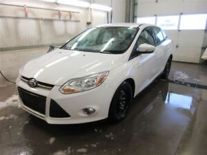 2012 Ford Focus SE FWD - HEATED SEATS