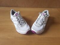 Nike womens size 7 trainers