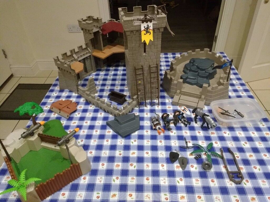 Playmobil Knights Tower and castle walls, cannons play set - excellent condition - Bedford
