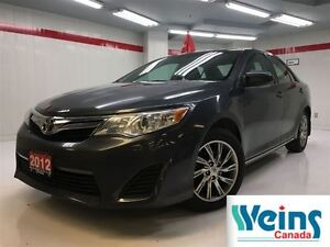 2012 Toyota Camry Navigation , 1 Owner , LE