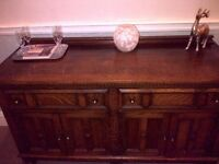 OAK SIDEBOARD ANTIQUE