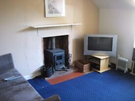 1-2 bedroom flat to let in semi-rural location
