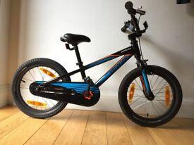 Boys Specialized 16 inch wheel bike with stabilisers