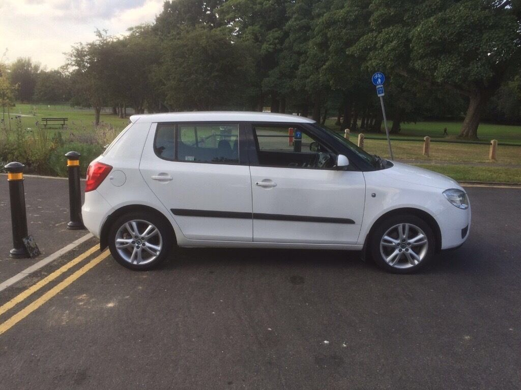 skoda fabia 3 1 9 tdi 5 door 2007 white top spec bargain in headingley west yorkshire gumtree. Black Bedroom Furniture Sets. Home Design Ideas