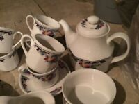 ROYAL DOLTON TEA/COFFEE SET