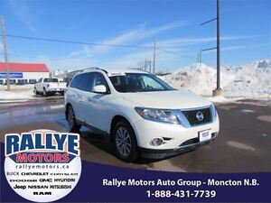 2015 Nissan Pathfinder SL! 4x4! EXT Warranty! Back-Up! Alloy! Le
