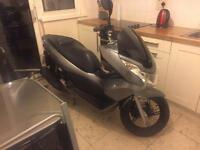 Honda pcx125 ww125 pcx (2013) 1 owner from new 12 month mot