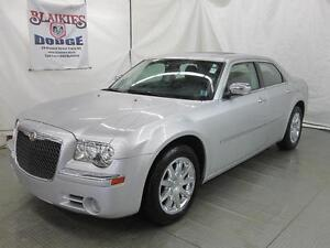 2010 Chrysler 300 Limited | LEATHER | SUNROOF | HEATED SEATS |