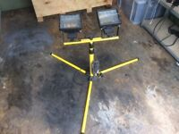 Twin halogen site floodlight with stand tripod