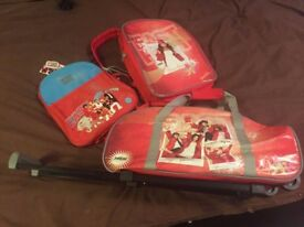 NEW RED 3 PIECE DISNEY HIGH SCHOOL MUSICAL BAG SET TROLLEY WHEELED SUITCASE RUCKSACK BACKPACK FREE D