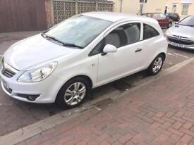 Vauxhall corsa 2010 3dr 1.0 petrol Waite in good condition