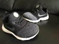 Baby/toddler trainers