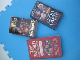 Terry Pratchett Paperback Books
