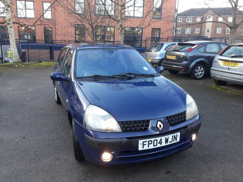 2004 renault clio 1 2 petrol low mileage in sheffield south yorkshire gumtree. Black Bedroom Furniture Sets. Home Design Ideas
