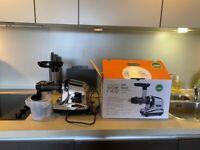 Juicer - Vitality Life Oscar Neo DA 1000 Cold Press Juicer - New unused