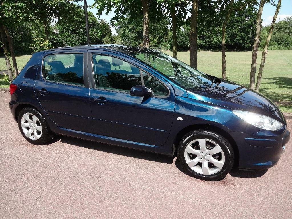 peugeot 307 1 6 s hdi 5 door 2007 blue hpi clear new shape service history in. Black Bedroom Furniture Sets. Home Design Ideas