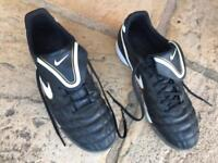 Men's Nike TIEMPO Football Trainers UK Size 11