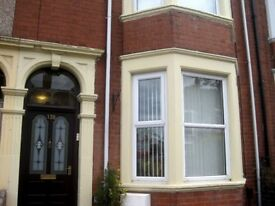 Double Room in Spacious Victorian house in Rugby. £425 pcm incl bills.