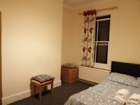 Double room available to Let in Putney