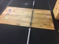 Olympic weightlifting bar