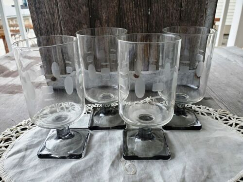 Great Set of Four Midcentury Glass Cordials Etched Geometric Design Smoky Green