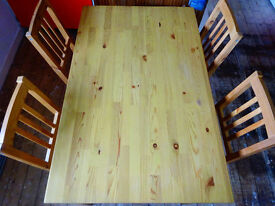 Solid wooden Table incl. 4 chairs
