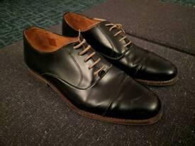 Bertie Mens black leather shoes size 11