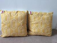 Cushions - Yellow/White Geometric pattern