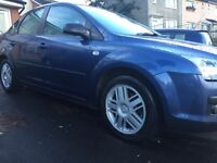 Ford Focus ghia 1.6 rare saloon model 1 lady owner for 8 years!mot!!2017!!fully loaded car!