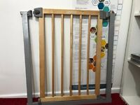 Easy to fit stair gate. exc condition, collection only but can deliver locally