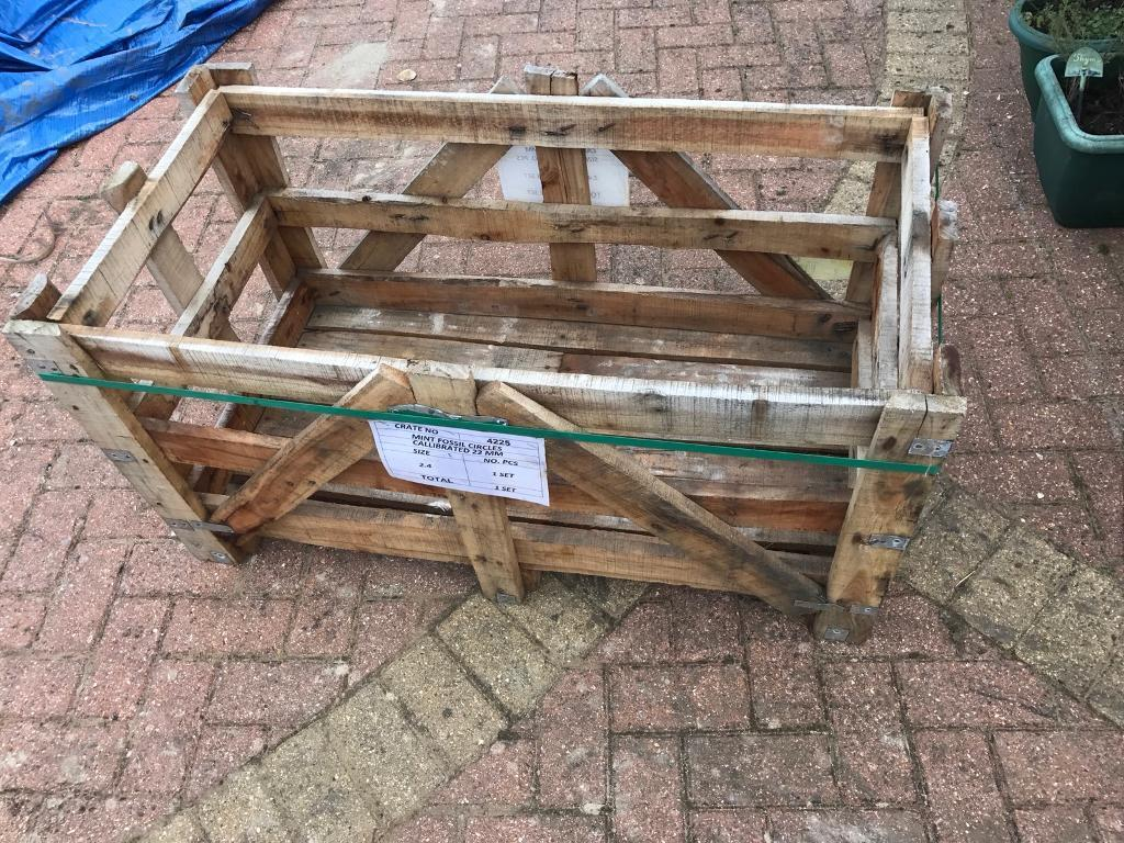 Free crates & pallets