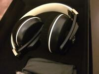 NEW Sennheiser Urbanite XL Headphones