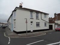 2 Bedroom house on Trevor Road, Southsea available from 15th September to students or working prof