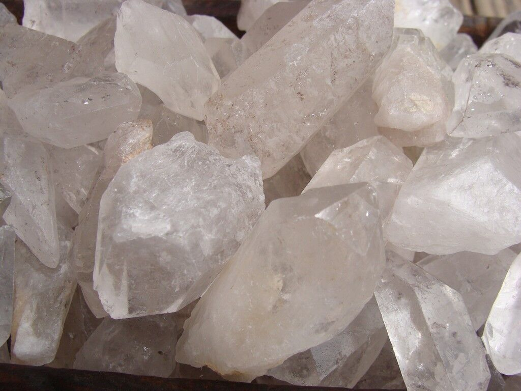 1000 Carat Lots of Unsearched Quartz Crystal Points + a FREE faceted gemstone