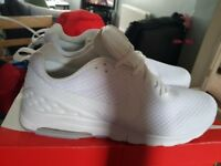 Mens Nike Airs size 11 White