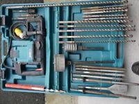 Makita 4500c 110v Heavy Duty Hammer Drill & Accessories